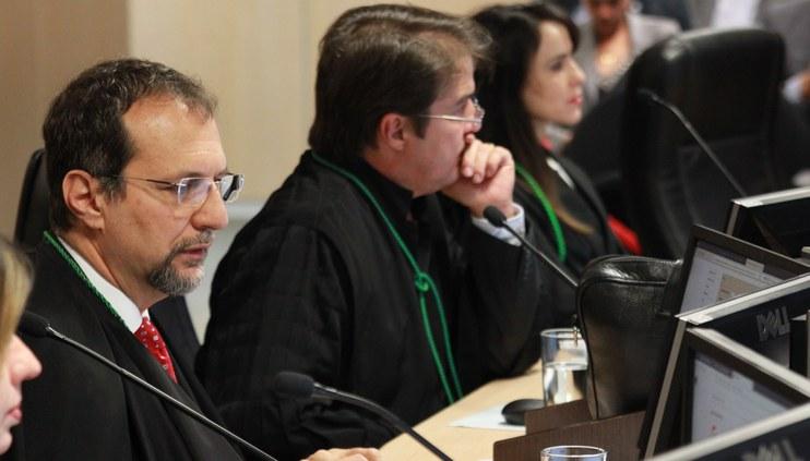 Exercente de mandato eletivo deve comprovar recolhimento de contribuições para o RGPS