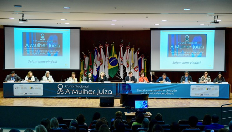Curso da Enfam debate desafios da carreira para juízas e igualdade de gênero