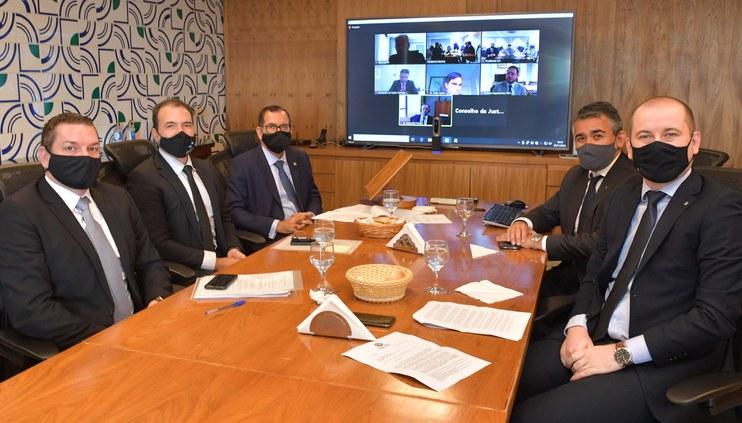 Ministro Humberto Martins reúne-se com Comissão de Segurança da Justiça Federal