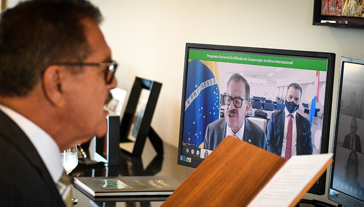 Presidente do CJF e autoridades abrem ciclo de palestras sobre cooperação jurídica internacional