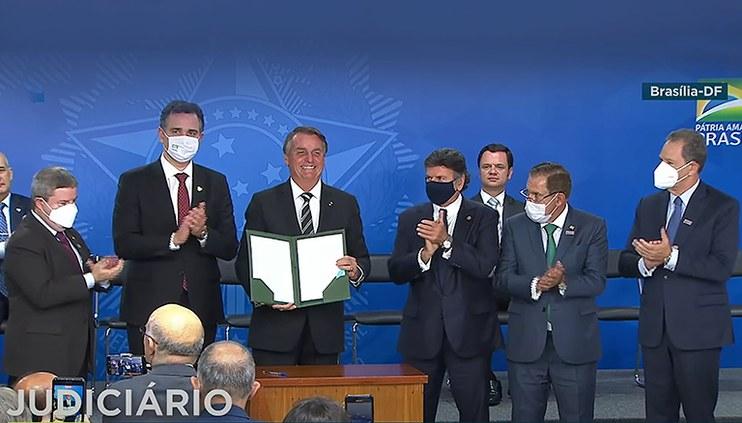 Presidente da República sanciona Projeto de Lei que cria o Tribunal Regional Federal da 6ª Região
